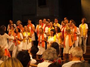 vue de la chorale lors d'un concert de la chorale gospel Sunday Voices